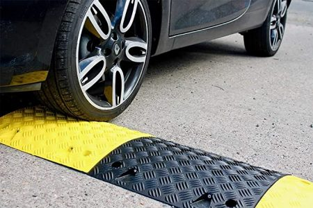 ¿Qué son los speed bumps?